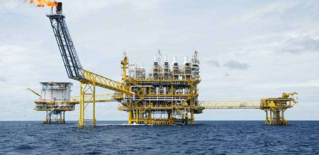 """مصدر بـ""""البترول"""": لم يصلنا قرارا رسميا بتغريم مصر 2 مليار دولار"""