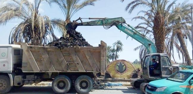 رفع 1500 طن قمامة ومخلفات من النقطة الوسيطة والمقلب العشوائي ببلبيس