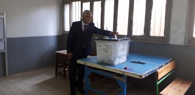 رئيس جامعة المنوفية يصوت في الاستفتاء على التعديلات الدستورية