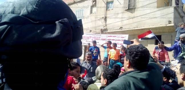 """""""أم الرضا"""" معقل الإخوان في دمياط سابقا تنظم مسيرة لتأييد السيسي"""