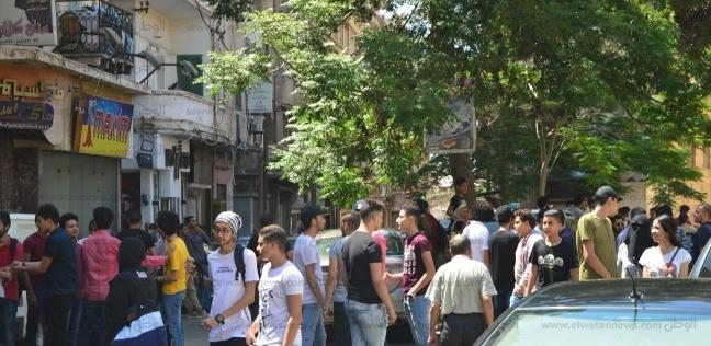 مصر   في آخر أيام امتحانات الثانوية.. سبوبة  شيلي التليفون  تنتهي