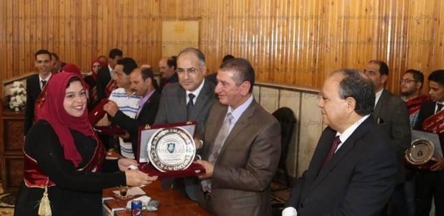 محافظ كفر الشيخ يشهد الاحتفال بتنصيب اتحاد طلاب معهد الخدمة الاجتماعية
