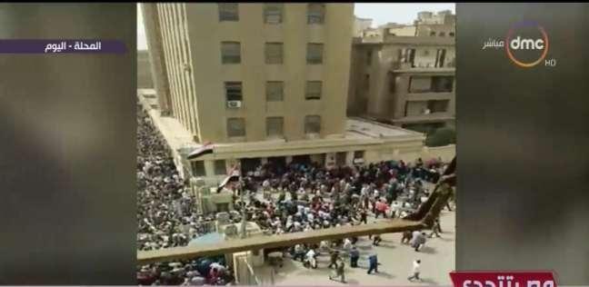 """بالفيديو  حشود كبيرة من عمال """"غزل المحلة"""" يتنافسون للتصويت"""