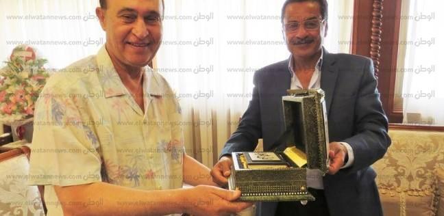 مدير أمن الإسماعيلية يهنىء الفريق مهاب مميش على تجديد الثقة