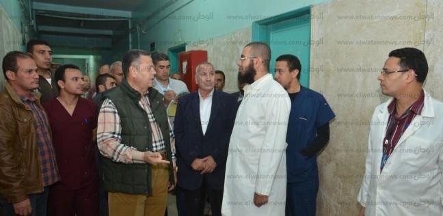 محافظ بني سويف في جولة مفاجئة لمستشفى ناصر بـ الكاجول: اعتبروهم ولادكم