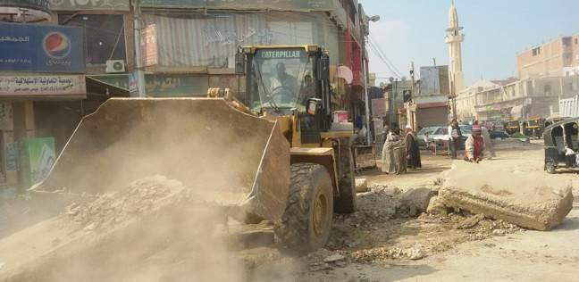 تجريف ورفع أتربة ومخلفات أشجار بحي شرق الإسكندرية