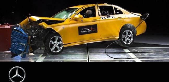 شركة مرسيدس بنز العالمية تحطم 900 سيارة سنويا