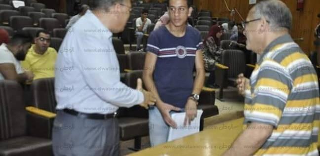 رئيس جامعة جنوب الوادي: 140 طالبا وطالبة سجلوا رغباتهم بالكليات