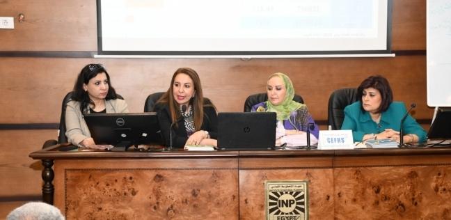 بدء توافد المواطنين للاستفتاء في لجان حلوان فور فتحها