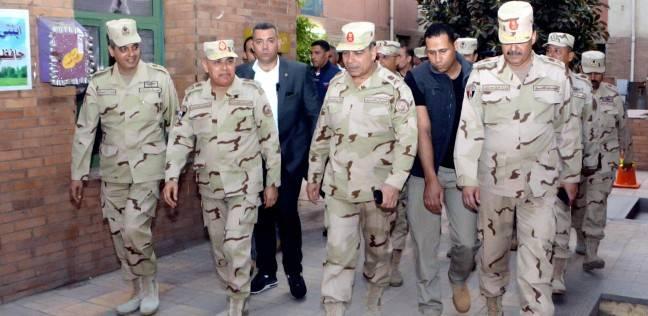 بالفيديو| وزير الدفاع يتفقد الأوضاع الأمنية ببعض اللجان