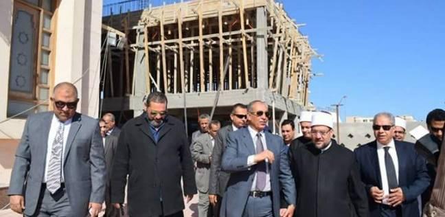وزير الأوقاف ومحافظ البحر الأحمر يتفقدان مستوصف بجامع الميناء بالغردقة