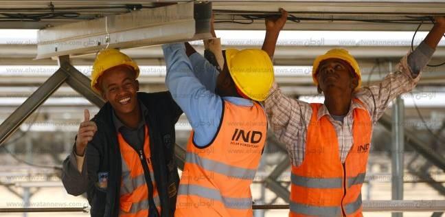 """وزير الكهرباء: """"مزرعة بنبان"""" أكبر محطة شمسية في العالم"""