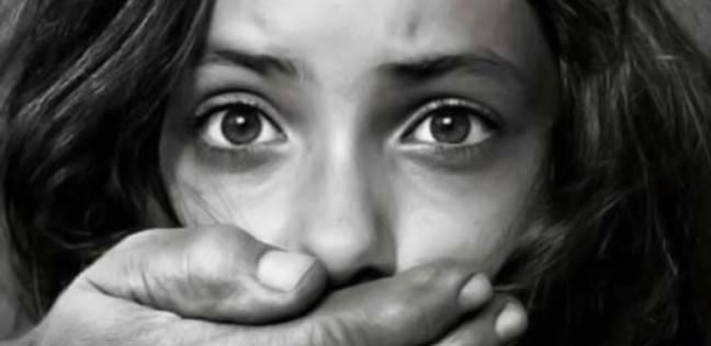 اعتقال مدرس في الإمارات بسبب صور إباحية للأطفال