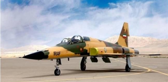 إيران تكشف عن أول طائرة مقاتلة محلية الصنع