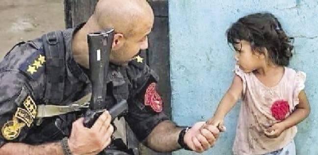 """أسرار ومفاجآت صورة الضابط والطفلة وحكاية """"إبراهيم نافع والسعدني"""""""