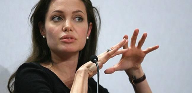 أنجلينا جولي تتطلع للقيادة بتولي منصب عام