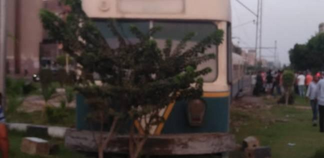"""""""النقل"""": ننسق مع المرور لرفع السيارات المتضررة من ترام مصر الجديدة"""