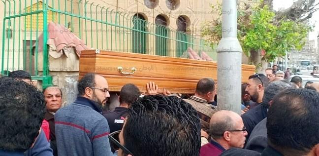بالصور  الآلاف يشيعون جثمان الدكتور محمود حمزة مؤسس مركز القلب بالمحلة