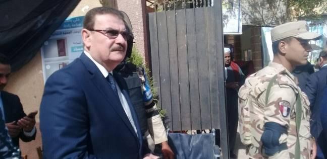 نقيب المهندسين يدلي بصوته في مدرسة الشهيد إبراهيم الرفاعي بالقاهرة
