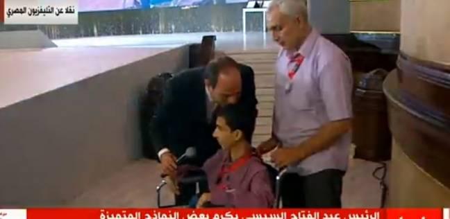 """السيسي يكرم فريق هندسة عين شمس الأول عالميا في مسابقة """"الفورميلا"""""""