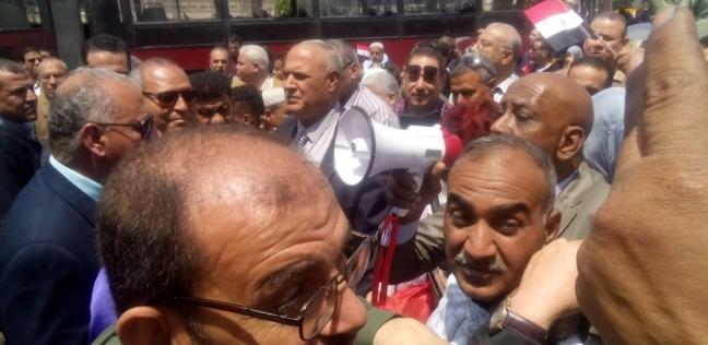 """بالصور  مسيرة لعمال """"النقل العام"""" لتأييد التعديلات الدستورية"""