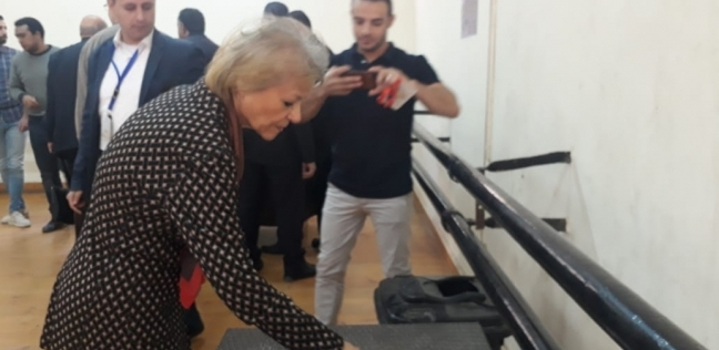 """فايزة أبو النجا تشارك في """"استفتاء الدستور"""" بالزمالك"""