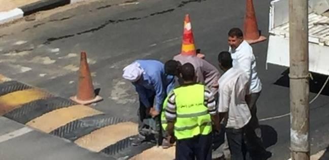 رصف طريق يربط حي 25 يناير بوسط مدينة الخارجة بتكلفة 5 ملايين جنيه
