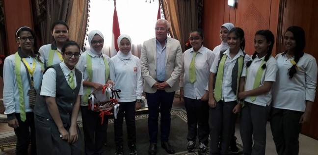 محافظ بورسعيد: الطلاب سيختارون «معلمهم المثالي» كل شهر