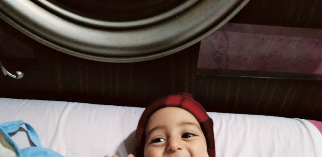 الطفل «أحمد» مصاب ضمور العضلات