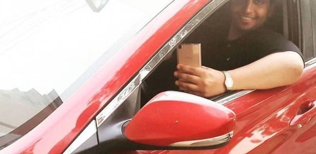 """على غرار """"الأسطورة"""".. الخليل كوميدي ينشر صورته مع سيارته الجديدة"""