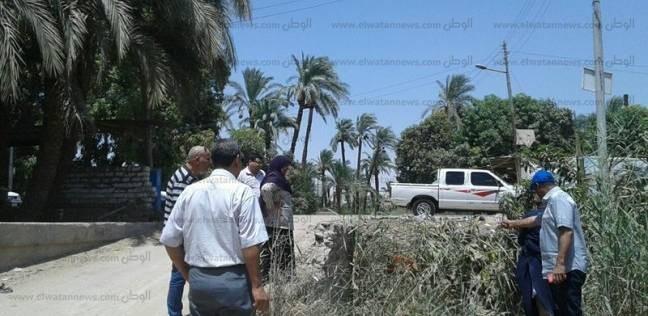 حملة لتطهير الترع والمصارف ورفع 50 طن مخلفات بساحل سليم في أسيوط