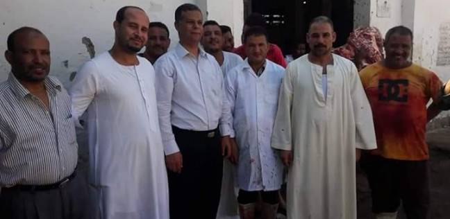 مدير الطب البيطري بالبحر الأحمر يجتمع مع الجزارين استعدادا لعيد الأضحى