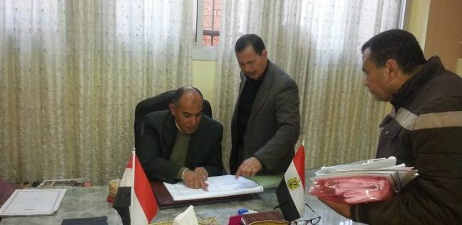 بالصور| رئيس سمنود يتفقد مجمع الخدمات بقرية أبو صير ويشدد على صيانته