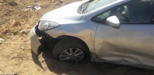بالأسماء| مصرع شخصين وإصابة ثالث بحادث انقلاب سيارة في الوادي الجديد