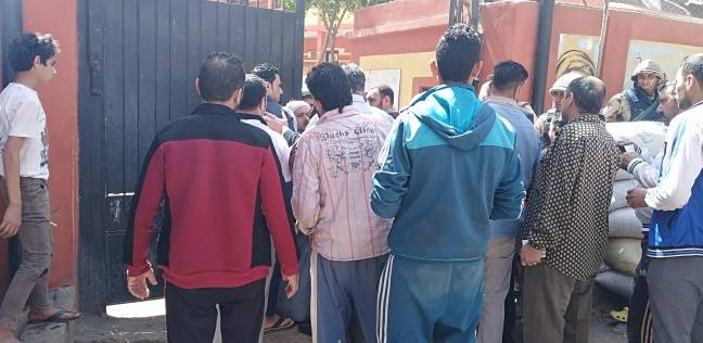 مشادة كلامية بين مواطنين أمام لجنة الجبرتي بمنشأة ناصر.. والأمن يتدخل