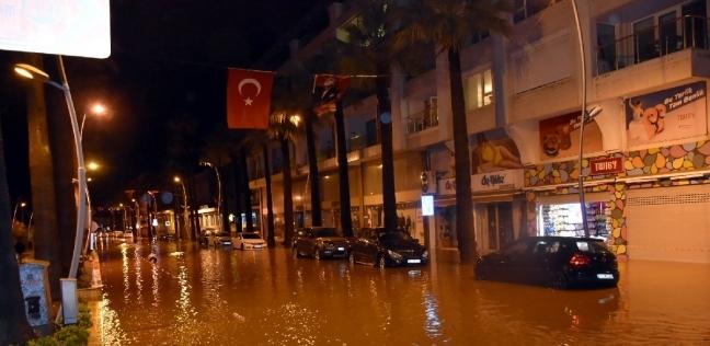 شلل مروري في مدينة موغلا التركيةبسبب السيول - العرب والعالم -