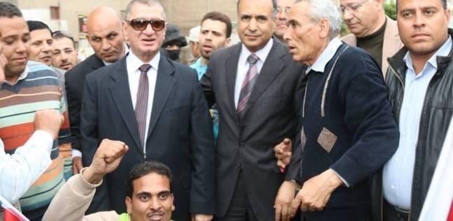 محافظ كفر الشيخ يتفقد عددا من اللجان الانتخابية بدسوق