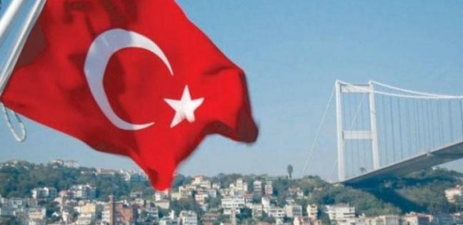 فيديو يرصد أتراك يخربون محلات سورية في إسطنبول