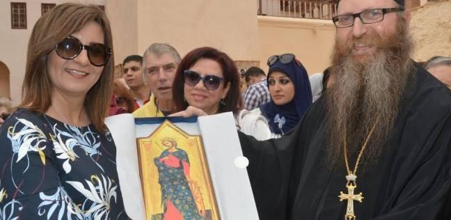 """وفدا قبرص واليونان يختتمان أسبوع """"إحياء الجذور"""" بزيارة دير سانت كاترين"""