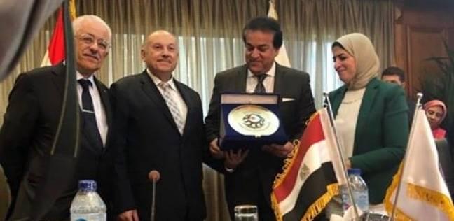 """المجلس الأعلى للجامعات: تغيير اسم """"القاهرة للتعليم المفتوح"""" لـ""""المدمج"""""""