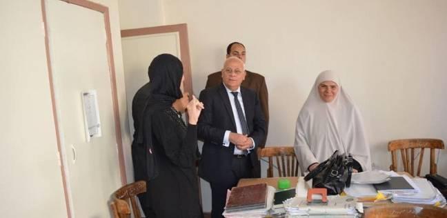 محافظ بورسعيد يذهب مع أسرته للتصويت تشجيعا للأسر على المشاركة