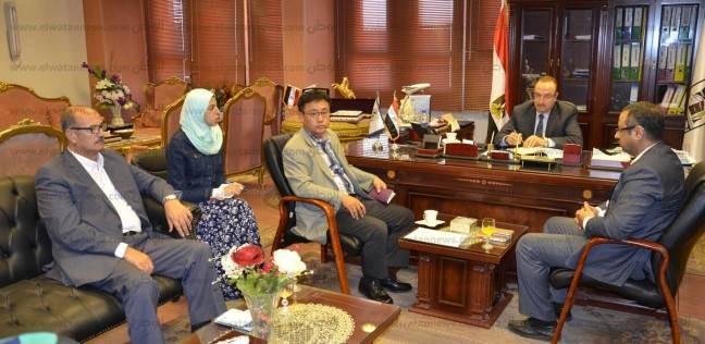 """محافظ بني سويف يلتقي رئيس """"سامسونج"""" ويبحث معه تفعيل المشاركة المجتمعية"""