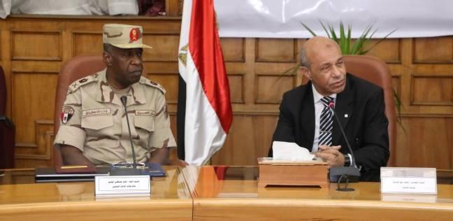 قائد قوات الدفاع الشعبي يشهد مشروع مجابهة الأزمات والكوارث في القاهرة