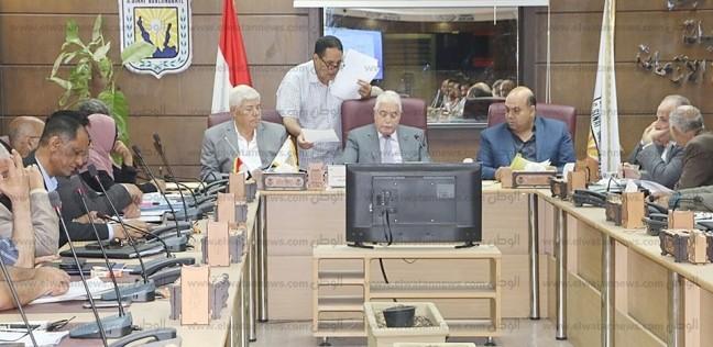 فوده يتابع تنفيذ المشروعات الاستثمارية بجنوب سيناء