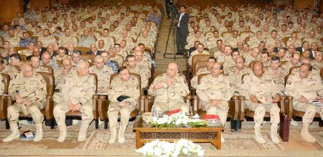 الفريق محمود حجازي يشهد البحث الرئيسي لكلية القادة والأركان