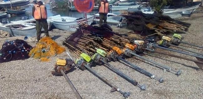 بالصور  محافظ كفر الشيخ يتابع إزالة التعديات ببحيرة البرلس