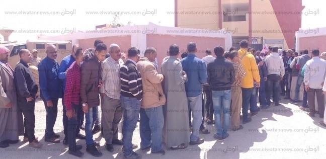 بالصور| طوابير أمام لجان الاستفتاء على التعديلات الدستورية برأس سدر