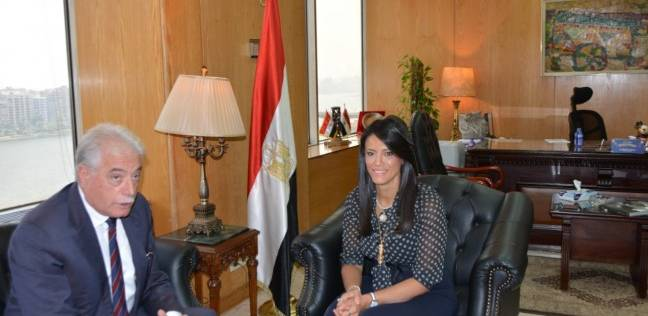 """""""المشاط"""" تبحث مع محافظ جنوب سيناء تنمية السياحة بشرم الشيخ"""