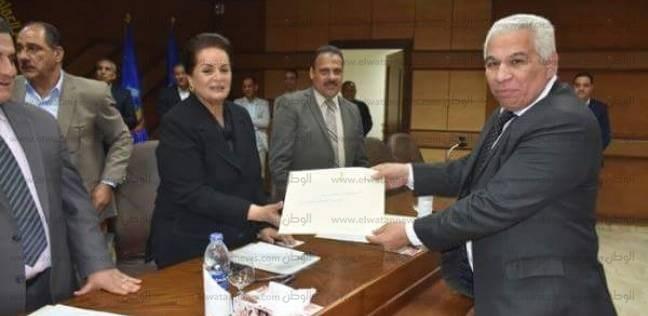 محافظ البحيرة تكرم رؤساء المدن والمسؤولين لدورهم في انتخابات الرئاسة