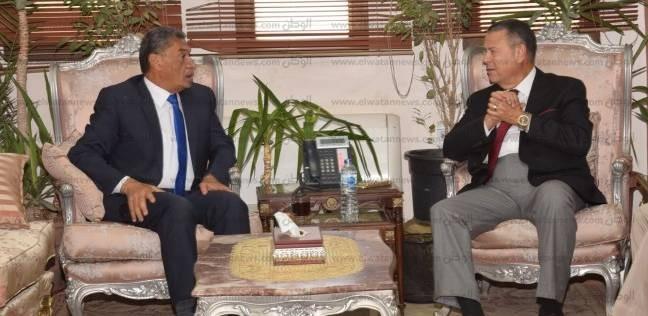 مدير أمن بني سويف يهنئ المحافظ بثقة القيادة السياسية